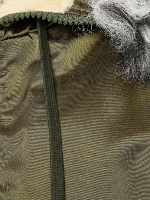 Куртка утепленная с меховым капюшоном - Деталь1
