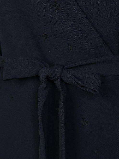 Платье на запах с узором звезды - Деталь