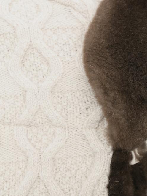 Шапка-ушанка из шерсти и кашемира  - Деталь