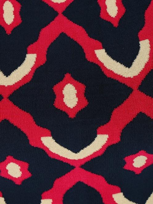 Трикотажное платье из фактурной ткани - Деталь