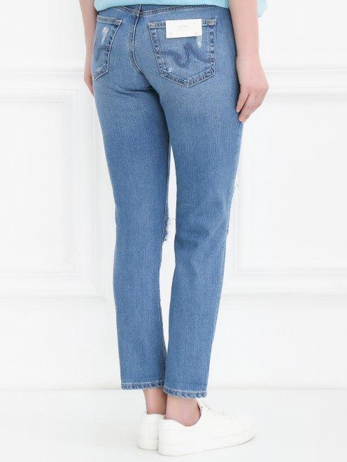 Укороченные джинсы прямого кроя с потертостями - Модель Верх-Низ1