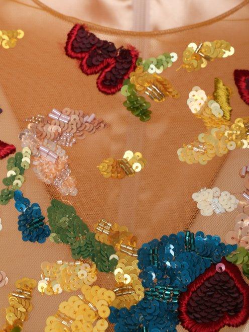 Платье с полупрозрачной вставкой, декорированное пайетками - Деталь